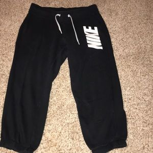 Cropped Nike Sweatpants